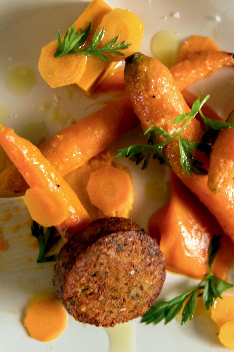 http://modernfarmer.com/wp-content/uploads/2015/12/seed-matters-roasted-carrots-1.jpg