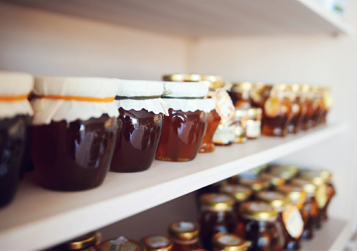 'Honey laundering'  -  mislabeling cheap Chinese honey as more expensive varietals  -  continues to be a problem.