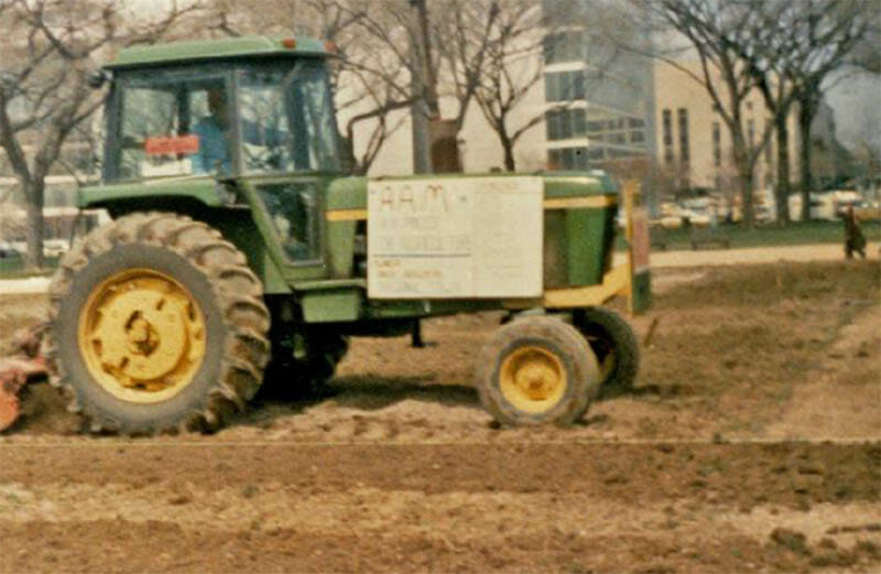 Farmers reseeding the National Mall. Photo courtesy of the Kinsley Library. Photo by Darrel Miller
