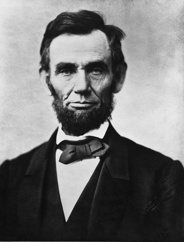 780px-Abraham_Lincoln_head_on_shoulders_photo_portrait