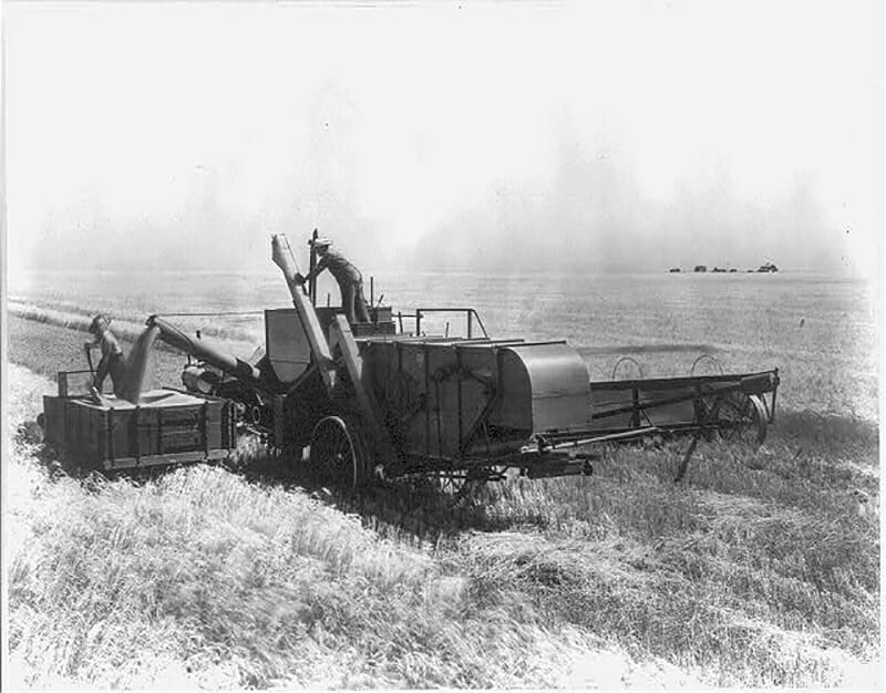 13 Vintage Photos of Combines - Modern Farmer
