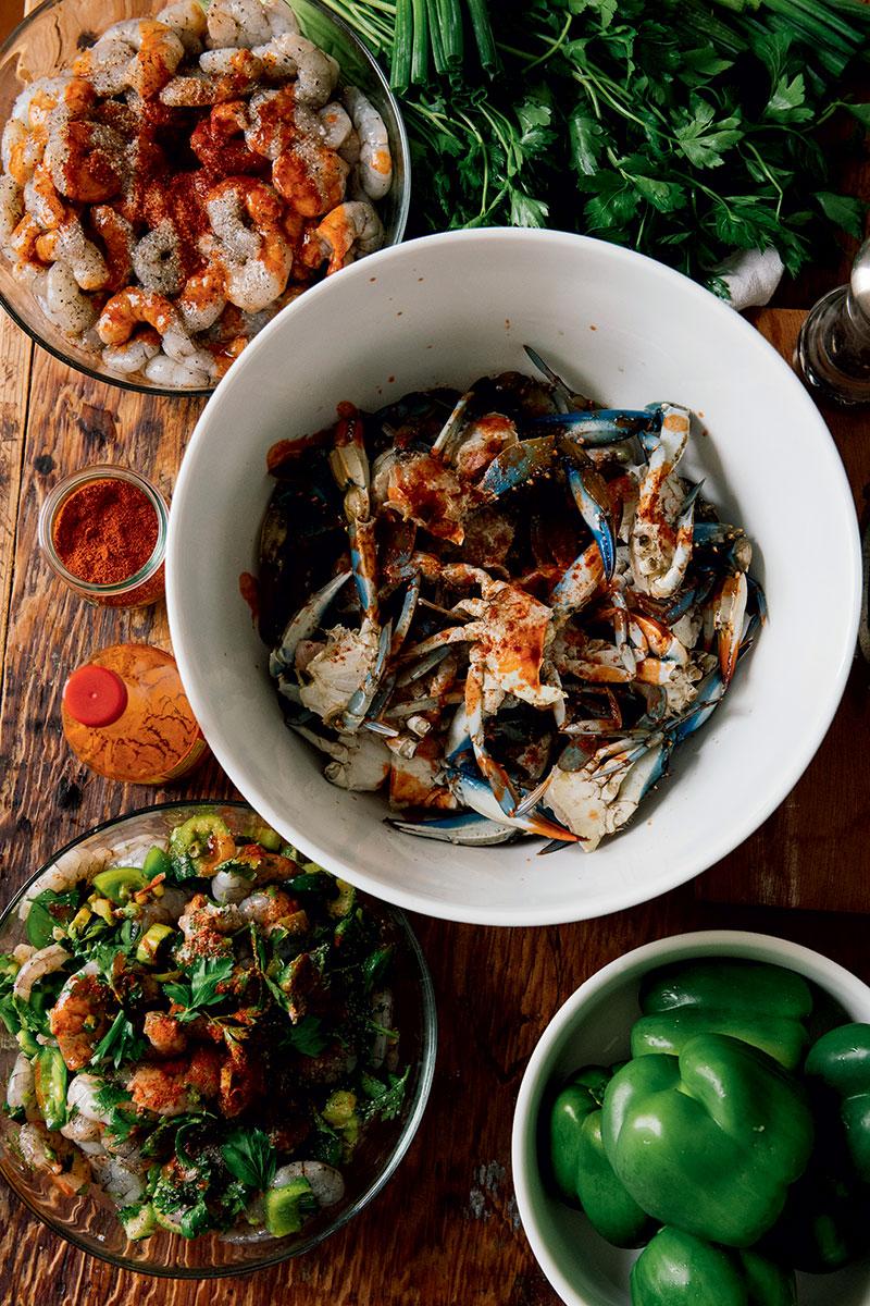 http://modernfarmer.com/wp-content/uploads/2016/06/mosquito-supper-club-crabs.jpg
