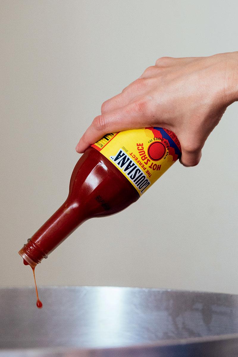 http://modernfarmer.com/wp-content/uploads/2016/06/mosquito-supper-club-hot-sauce.jpg