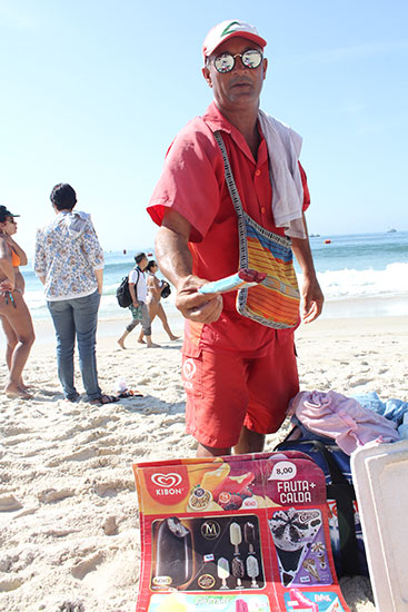 beach-food-ice-cream