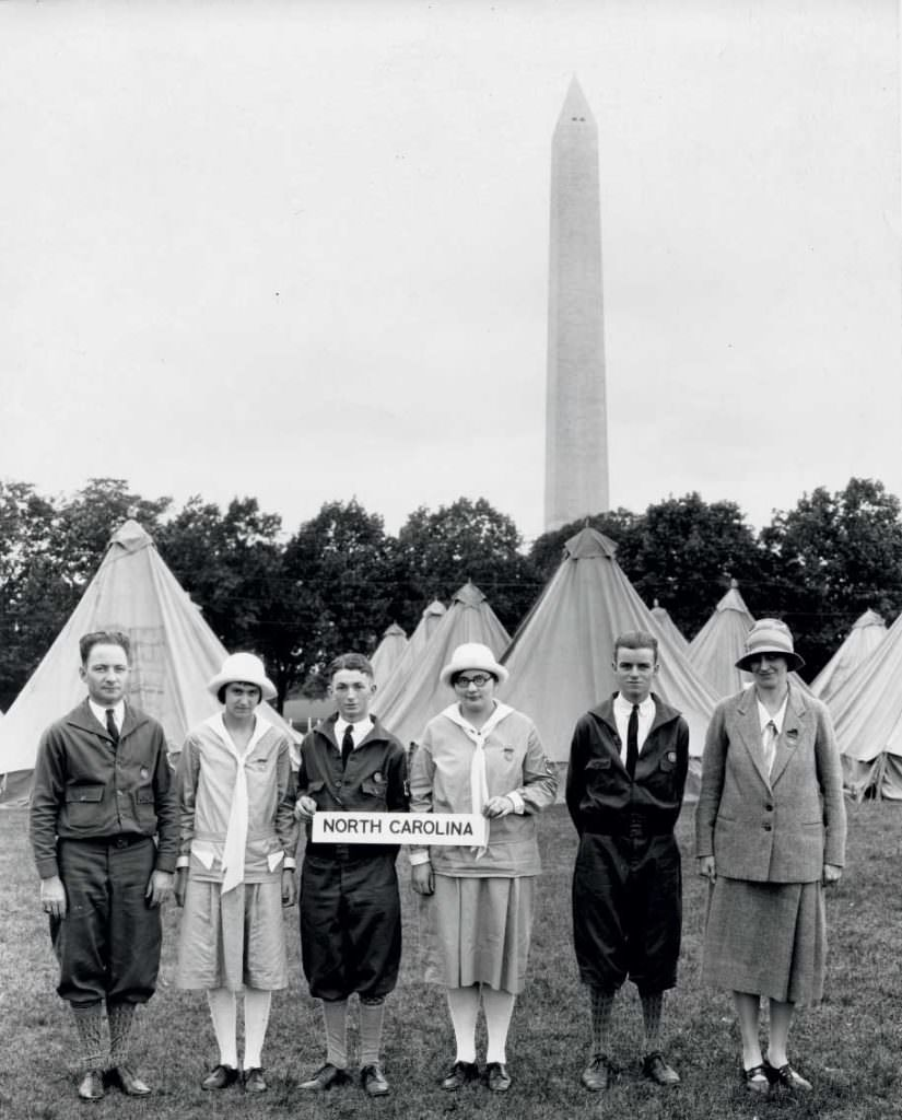 1927 At the first National 4-H Camp in Washington, D.C., attendees from 41 states pitched tents outside USDA headquarters. Today, delegates sleep at the National 4-H Center in Chevy Chase, MD, and present briefings to federal officials on Capitol Hill.